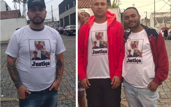 Nas camisas, amigos das vítimas pedem justiça