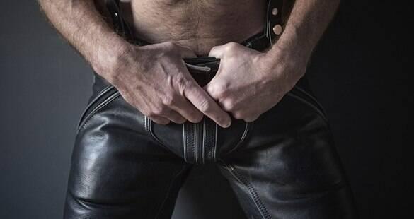 """Dominatrix diz que muitos homens gostam de """"tortura"""" no pênis; topa?"""