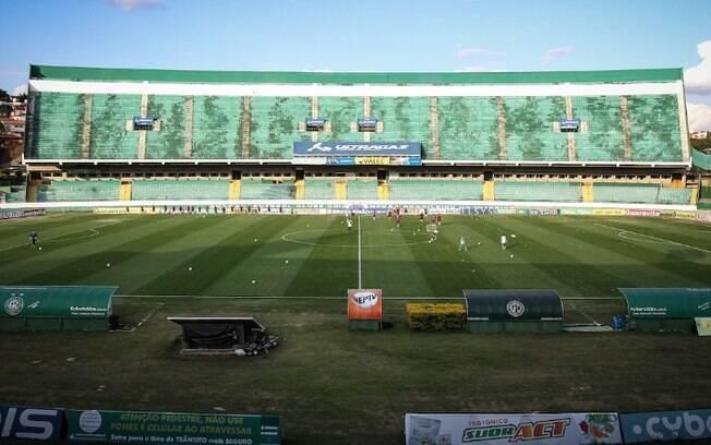 Guarani enfrenta Vitória na abertura da Série B