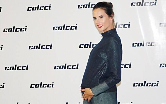 Alessandra Ambrósio, grávida de cinco meses