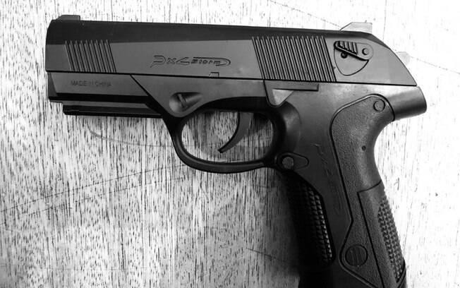Arma falsa usada pelos criminosos