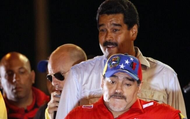 Diego Maradona fez campanha para Nicolás Maduro durante as eleições presidenciais de 2013 na Venezuela