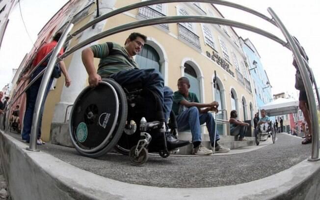 Governo faz corte milionário no programa de apoio à pessoas com deficiência