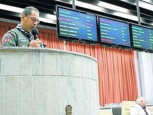 Plenário.  A convite de Alex Chiodi, o diretor-presidente Cristian do Amparo falou em tribuna na CMC