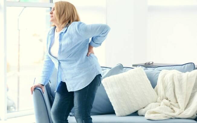 Reclamações de dores nas articulações por conta da artrite tendem a ser maiores no inverno. Será?