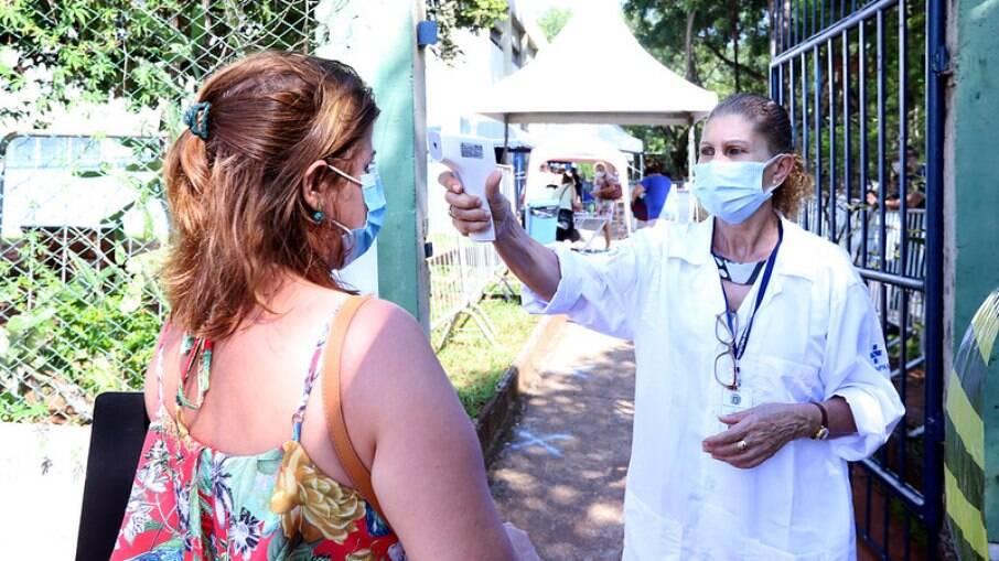 Mai de 24 mil pessoas não voltaram para receber segunda dose da vacina na Região de Campinas.