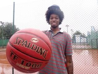 O pivô do Asefa Estudiantes, da Espanha, foi draftado pelo Atlanta Hawks, da NBA