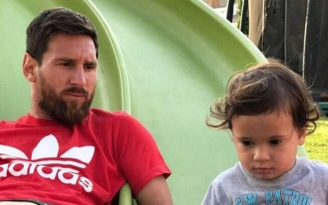 O filho de Messi, de apenas 3 anos, roubou a cena nas arquibancadas do Maracanã.