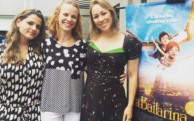 Flávia Viana, uma das autoras da coluna que receberá a homenagem, ao lado da bailarina Priscilla Yokoi e Lilian Marrul