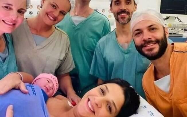 Ana Carolina Oliveira dá à luz a Maria Fernanda