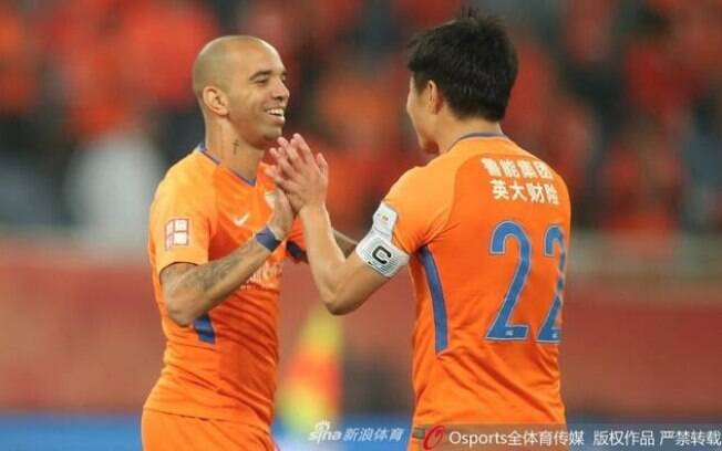 Diego Tardelli tem nova ótima atuação e comanda Shandong à final da Copa da China