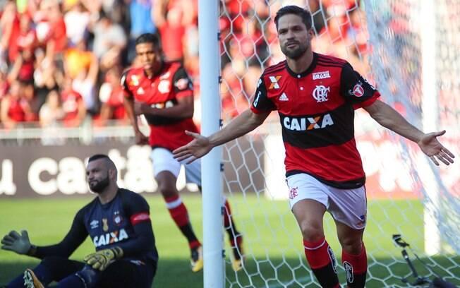 Diego abriu o placar para o Flamengo diante do Atlético-PR pelo Brasileirão