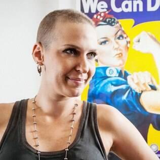 """""""Não há como vencer o câncer de mama sem autoestima"""" - leia entrevista com Flavia Flores"""