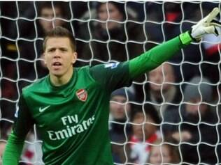 Polonês dos Gunners garantiu que permanece no clube londrino e afirmou que quer continuar jogando pelo Arsenal