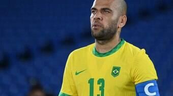 Daniel Alves decide esperar pela janela de transferências europeia