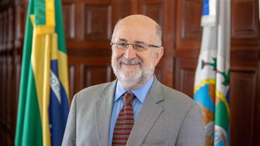 Deputado Luiz Paulo preside CPI que investiga queda na arrecadação.