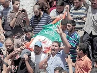 Mais de 2.000 palestinos morreram na ofensiva israelense em Gaza