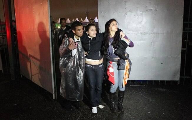 Fãs são socorridas em show de Ivete Sangalo após queda de camarote