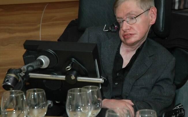 """""""A mudança climática é um dos grandes problemas que temos de enfrentar, e isso só será resolvidos se agirmos agora"""", diz Stephen Hawking"""