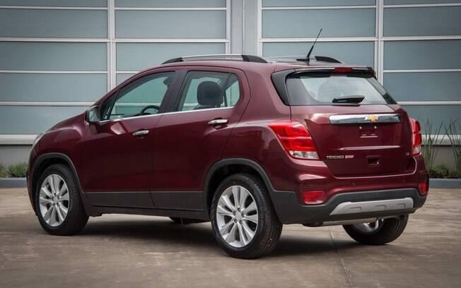 Chevrolet Tracker 2017 tem mudanças na traseira como as lanternas com novos detalhes e o para-choque reestilizado