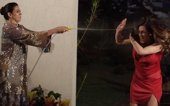 Griselda dá um banho de água fria em Tereza Cristina: mais uma maldade da vilã será desmascarada