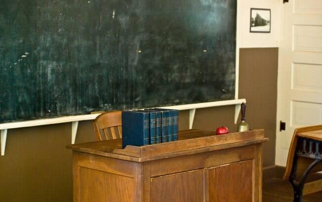 Professor de escola infantil cometeu diversos assédios, entre eles um estupro e divulgação de imagens indecentes