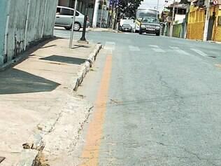 Homem de 35 anos foi encontrado morto na rua Felipe dos Santos, no centro