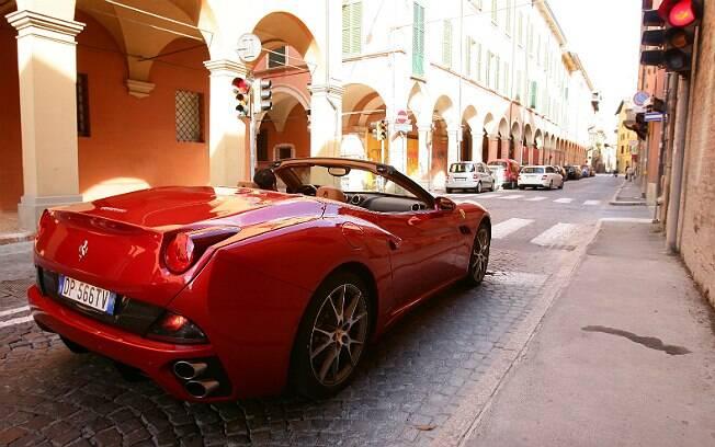 Ferrari não gostou de saber que réplicas de seus carros estava sendo construídas na Espanha