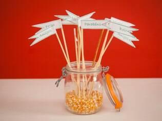 Tags de mesa deixam decoração do casamento mais divertida