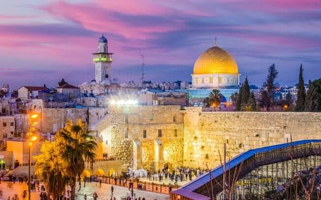 Jerusalém tem a particularidade de atrair muçulmanos, judeus e cristãos