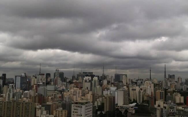 São Paulo tem tempo nublado nesta sexta