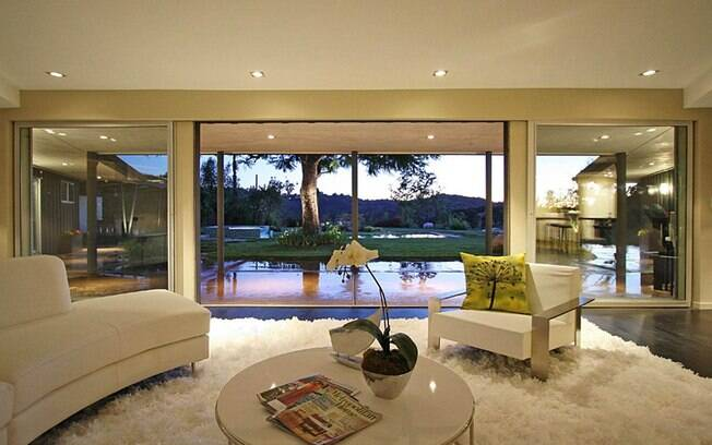 celebrities living rooms fotos miley cyrus compra mans 227 o de r 6 milh 245 es ig 11563