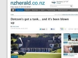 Foto mostra tanque inflável na casa de DotCom