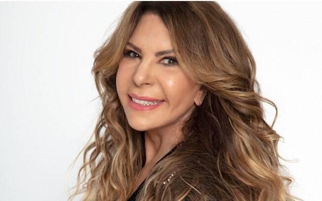 """Elba Ramalho critica Felipe Neto: """"Não merece meu apreço"""""""