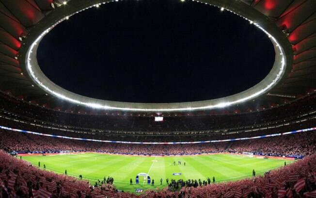 O novo estádio do Atlético de Madri lotado na abertura oficial, no dia 16 de setembro