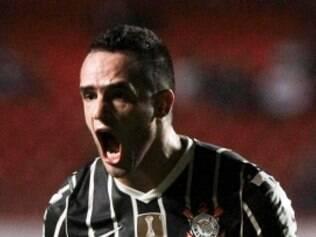 Corinthians, de Renato Augusto, quer vencer o Flu para se manter na briga pela liderança