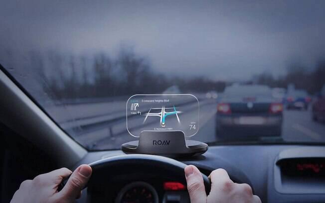 Com o mostrador que projeta os principais dados do cluster no para-brisa não é preciso desviar a atenção do trânsito