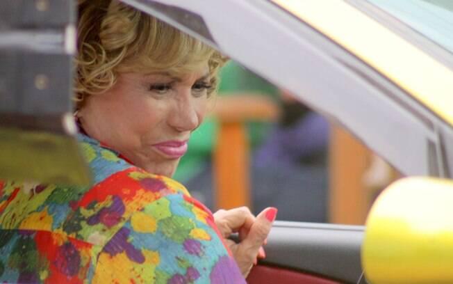Arlete Salles grava cena no táxi de Vilma
