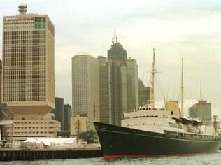 O navio Brittania, em 1997, durante viagem oficial da rainha a Hong Kong