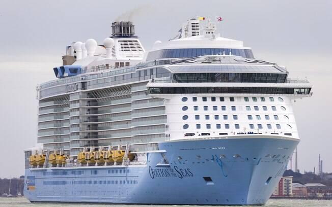 Tripulantes de diversas embarcações realizaram protestos denunciando o confinamento