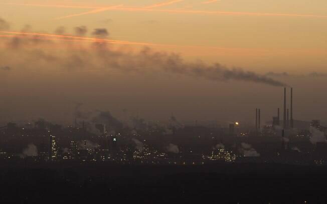 Exposição à partículas poluentes pode ter ligação com o desenvolvimento de doenças cardíacas e câncer