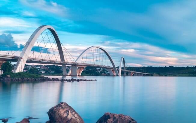 Ponte JK e Lago Paranoá em Brasília