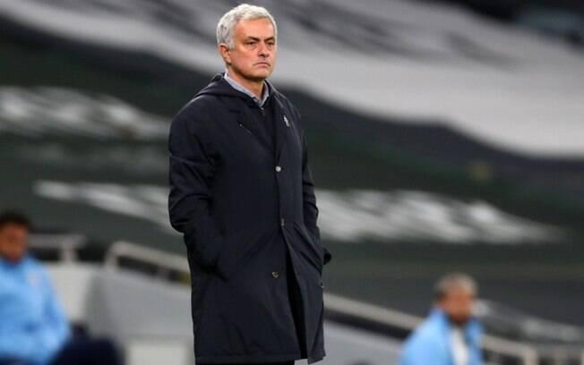 Tottenham e Fulham é adiado após surto de Covid no time visitante