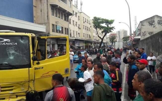 Acidente no Rio ocorreu no início da tarde na esquina das ruas José Maurício com Comandante Conceição
