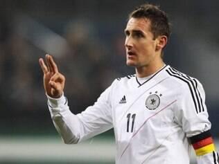 Miroslav Klose é o único atacante genuíno do elenco alemão e, caso faça um gol nesta Copa, deixará para trás o atacante Ronaldo e se tornará o maior artilheiro de todas as Copas