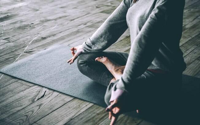 De acordo com um levantamento, quem comete traição considera a ioga o exercício físico mais atraente