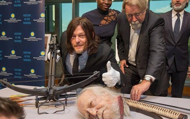 As melhores fotos de famosos de 2017: Norman Reedus nos bastidores da gravação de ''The Walking Dead''. Foto: Reprodução/IMDB
