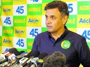 Breve. Se preparando para o debate, Aécio Neves fez rápido pronunciamento e não respondeu a perguntas dos jornalistas presentes