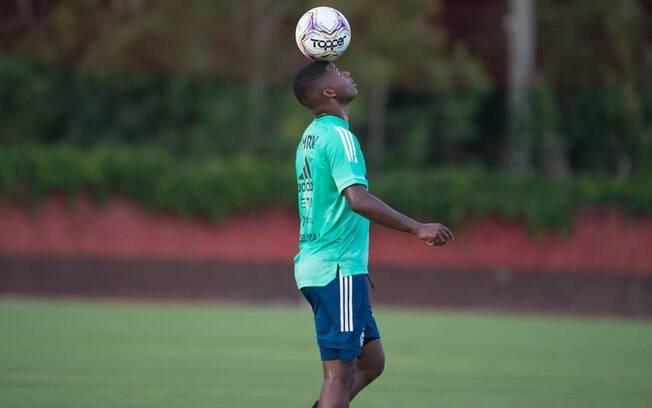 Jogador do Flamengo chama atenção de clube inglês
