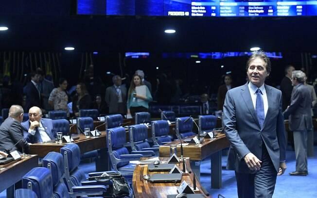 Presidente do Senado, Eunício Oliveira nega 'pautas bombas' após aprovar benefício a montadoras